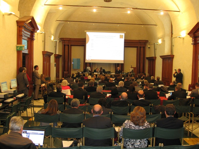 Ecprd sala capitolare for Parlamento it